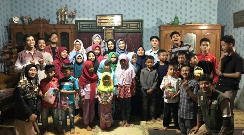 Santunan Anak Yatim RZIS UGM bersama Mahasiswa FEB UGM